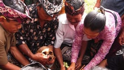 Ngaben: Emotion and Restraint in a Balinese Heart