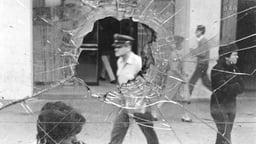 The City of Photographers (La ciudad de los fotógrafos) - Oppressed Chile Captured in Photographs