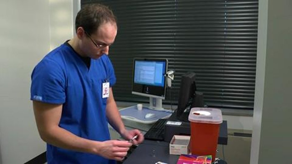 Preparing injections from an ampule