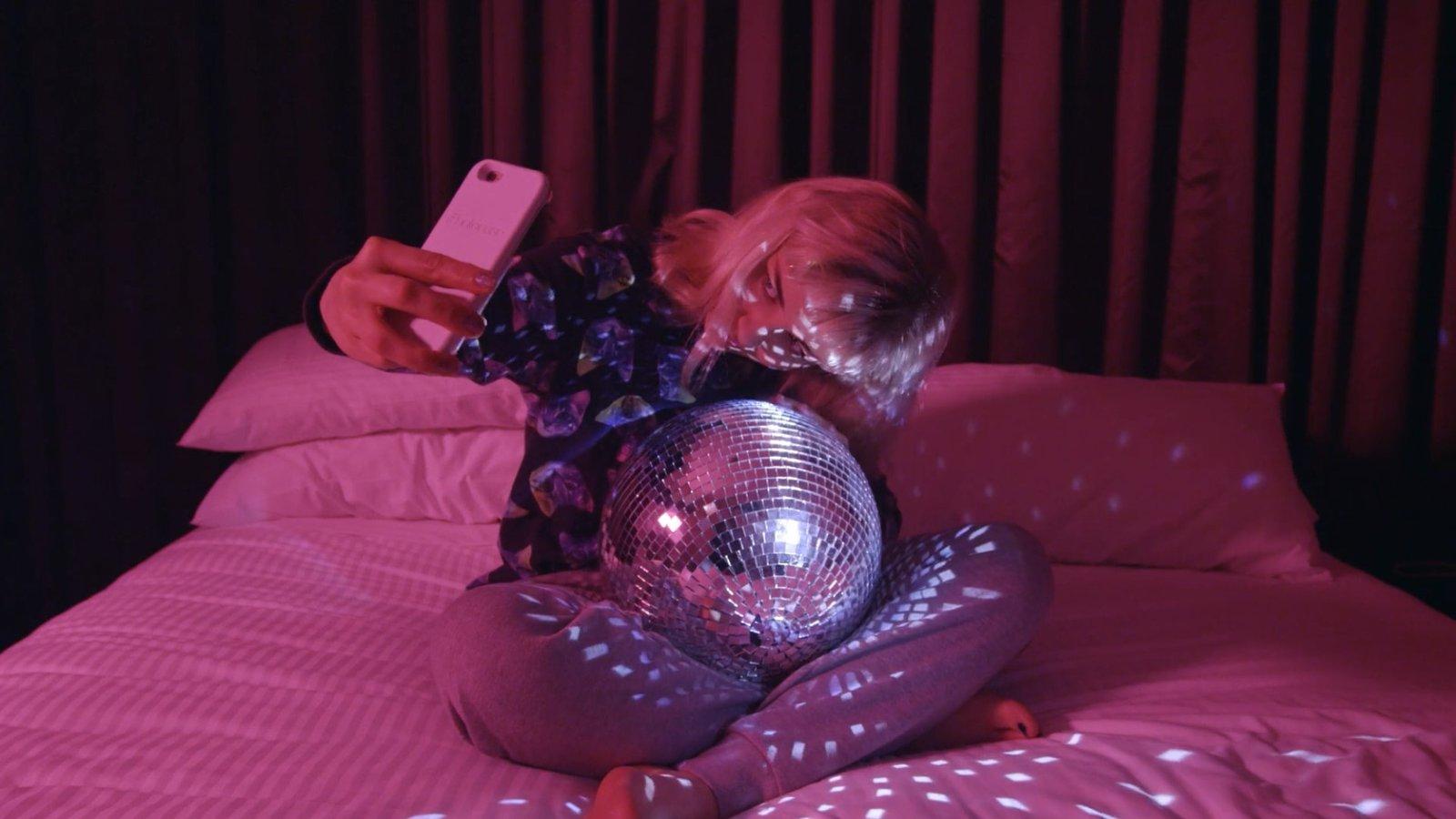 The Glass Bedroom: Carolyn Duchene - Episode 5