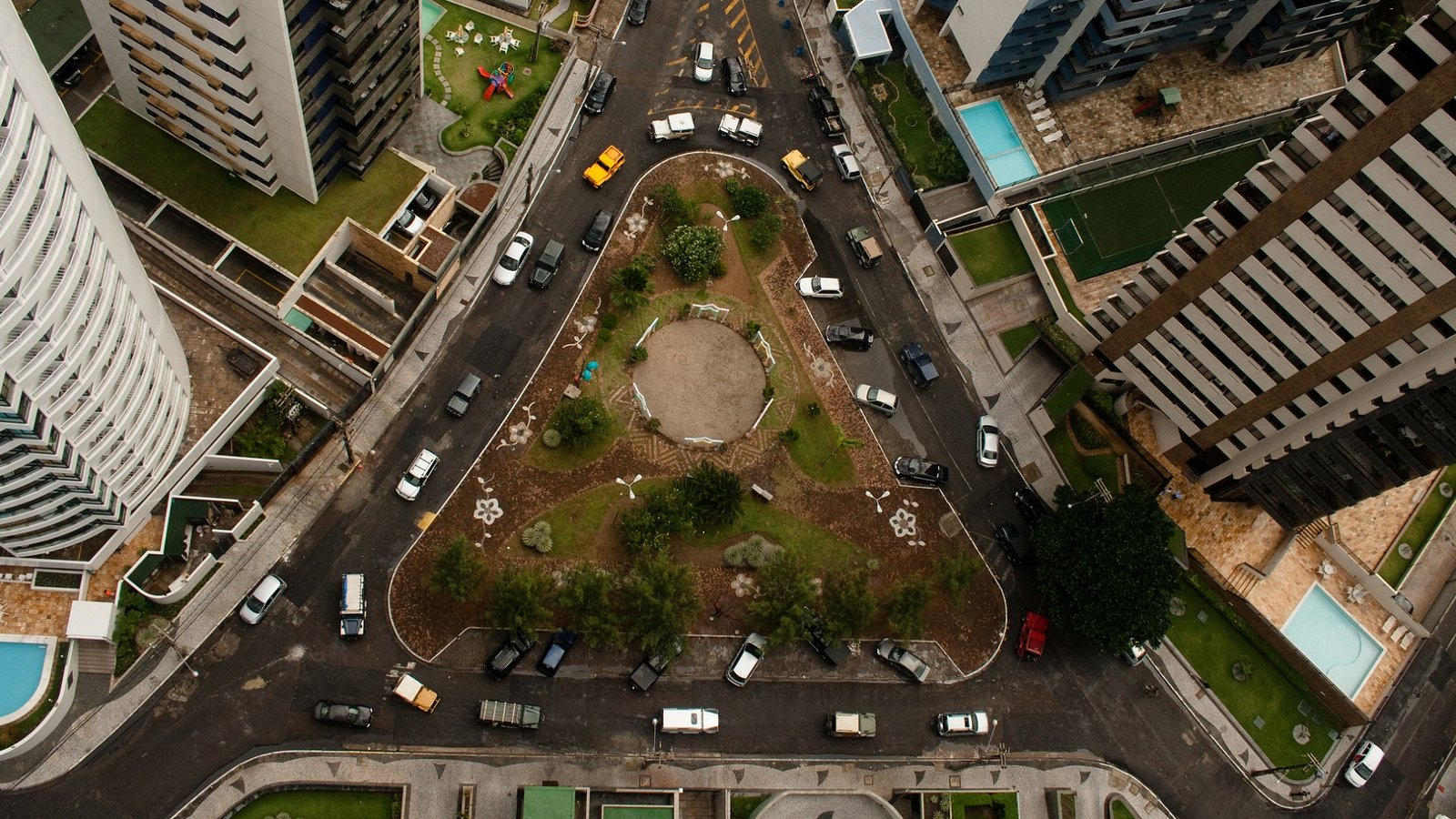 Walt Disney Square - A Look at Contemporary Urban Life in Brazil