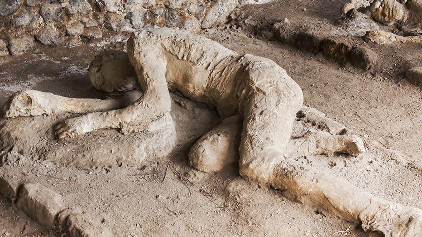 Excavating Pompeii and Herculaneum